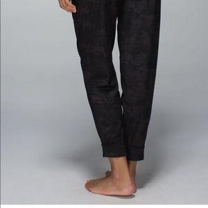 Lululemon Jet Crop Savasana Camo pants